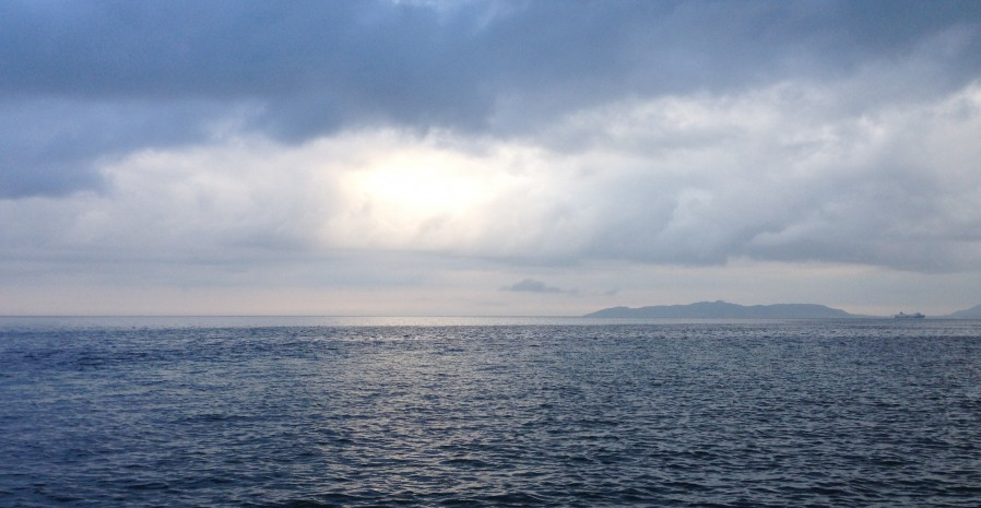 竹富島「西桟橋」は、海の向こうの世界を想わせるパワースポット
